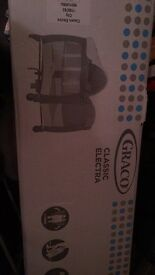 Graco Classic Electra Bassinet Travel Cot in Urban