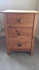 Pine bedside table (shabby chic project) - 3 drawer