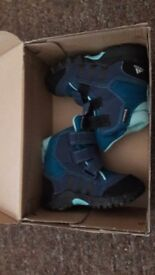New adidas shoes size 21