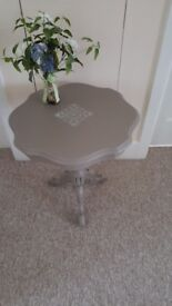 Occasional/side/lamp/coffee table on tripod legs, shabby chic