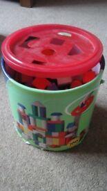 Building blocks in tub