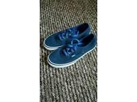 Size 4 vans