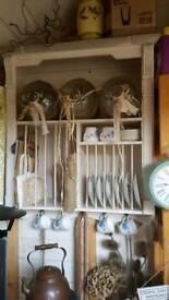 Wall mounted plate rack