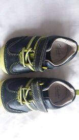 Clarks Blue and yellow first walkers 4f