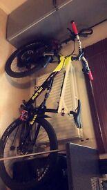 Calibre down hill bike
