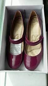 Women's Clarks Shoes Size 6