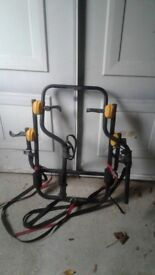 Bicycle rack for 2 bikes