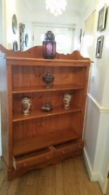 BEAUTIFUL SOLID PINE WOOD / BOOK CASE