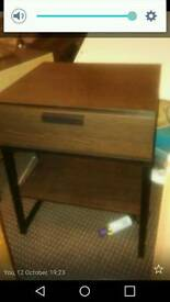 Brown bed side tables and drawers×3