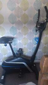 Roger black excersie bike fantasti condition