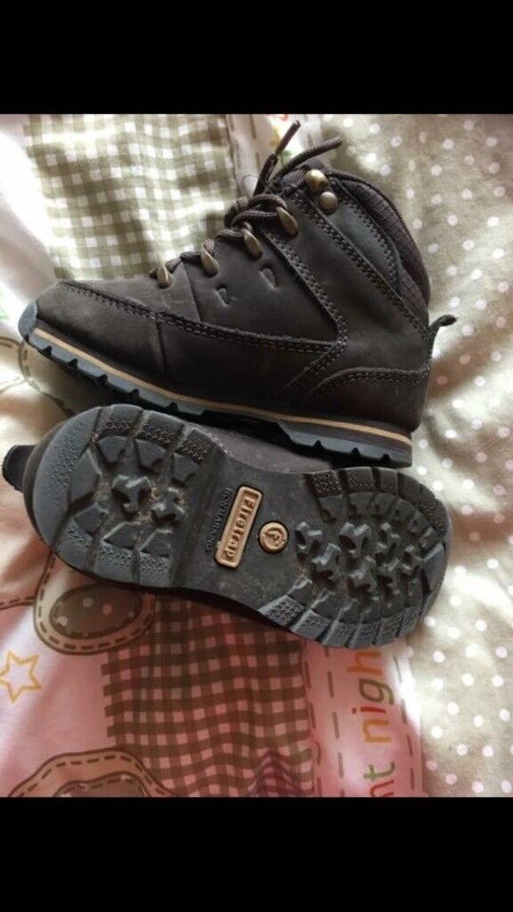 Boys fire trap boots