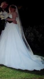 OMANDA WHITE WEDDING DRESS AND VEIL
