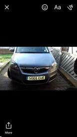 Breaking Vauxhall zafira b