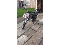 Suzuki GN125 for sale £450 ono