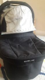 Uppababy Cruz Bassinet / Carrycot