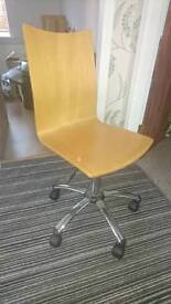 Office chair with pump