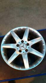 Mercedes alloy wheels x 4
