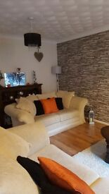 2 bedroon house excellent decor