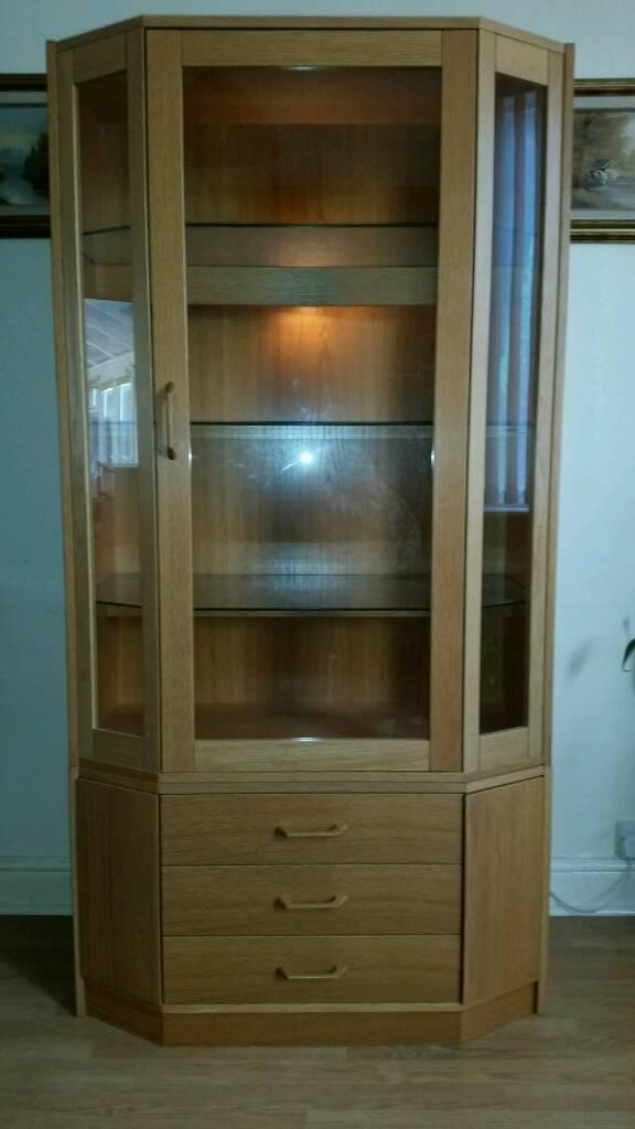 Display cabinet/ unit