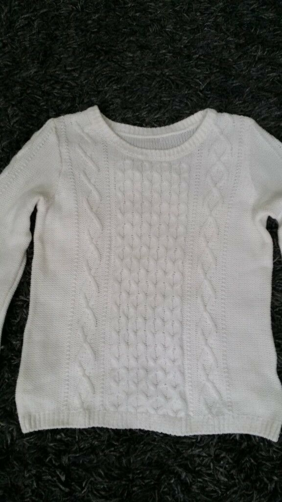White knitted jumper size 14 /no label/