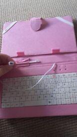 Tablet keyboard/case