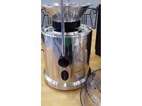 Juicer / Blender Andrew James High End Juice Making Fruit blending action!