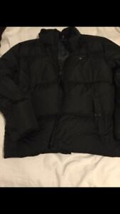 Selling a black Tommy Hilfiger jacket