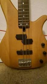 Yamaha electric base guitar and laney amp