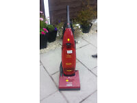 Hoover 1900w Upright Vacuum cleaner spares or repair........ powers up .