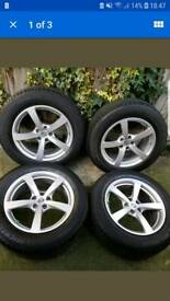 Brand New Porsche Macan 18 Alloy Wheels with Michelin Tyres