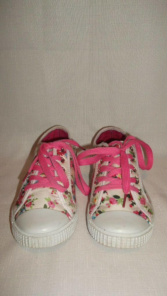 Flower Trainers Size 4