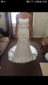 White rose wedding dress. BNWT