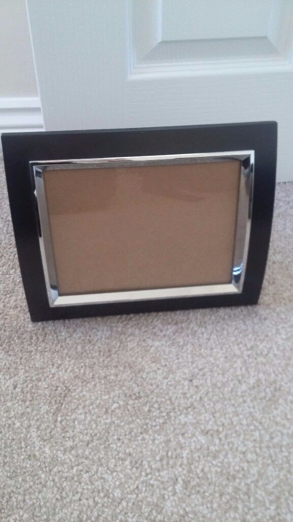 4 un used and boxed 8x6 photo frames
