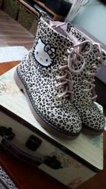 Hello Kitty boots size eur 33