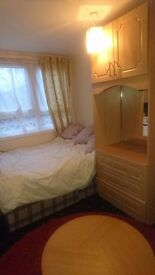 Double room to rent in kingston.