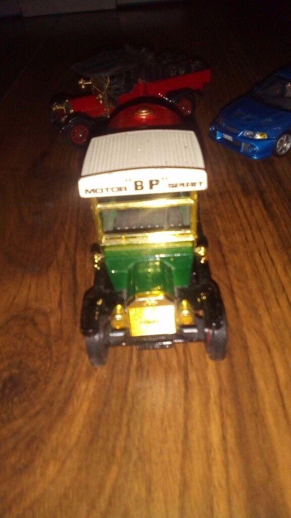4 collectable corgi and matchbox cars
