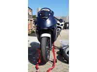 2000 triumph tt600 track bike