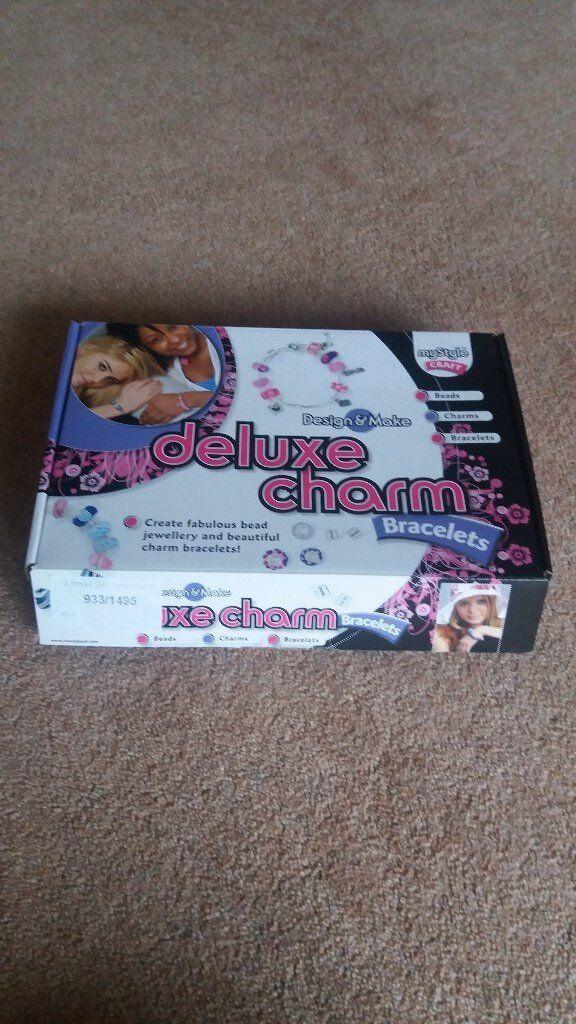 Deluxe Charm Bracelet Set