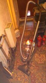 Vax Bagless Vacuum Cleaner 2000 watts