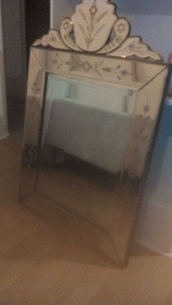 Frech rose glass mirror