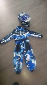 Kids 3GO helmet and wolf all in one suit