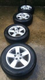 Set of 4 Nissan Qashqai wheels and tyres
