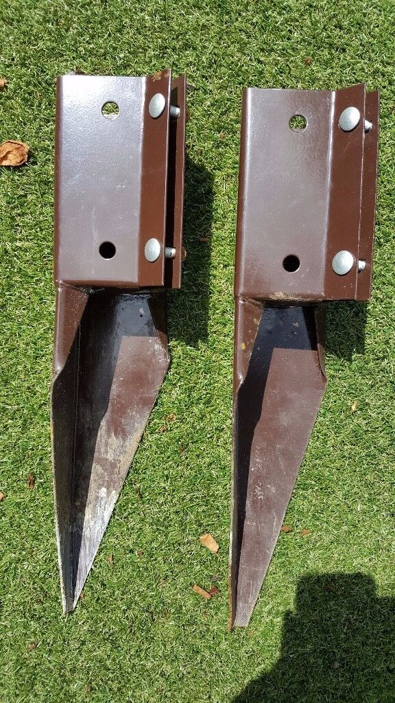 Fence post wedge support spikes x2