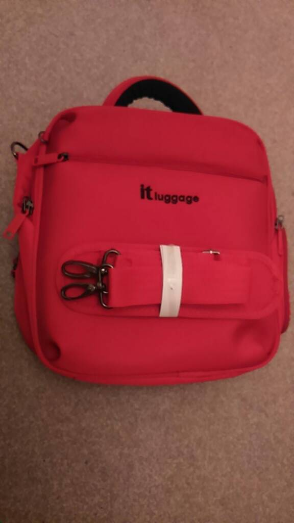 it Luggage - small travel bag