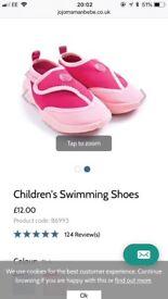 Jojo Maman swim shoes size 5