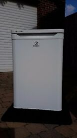 Indesit Fridge with Freezer Compartment, A+ Energy Rating, Guaranteed to 08/18