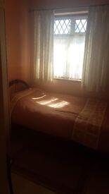 Single Room 550pm inc. bills