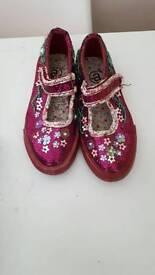 Size 11 sparkly girls pumps