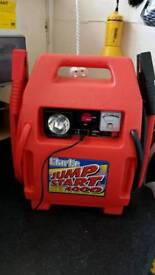 CLARKE 4000.HEAVY DUTY JUMP STARTER 1500 AMPS PEAK POWER OUTPUT. BRAND NEW UNUSED BOXED IN BOX