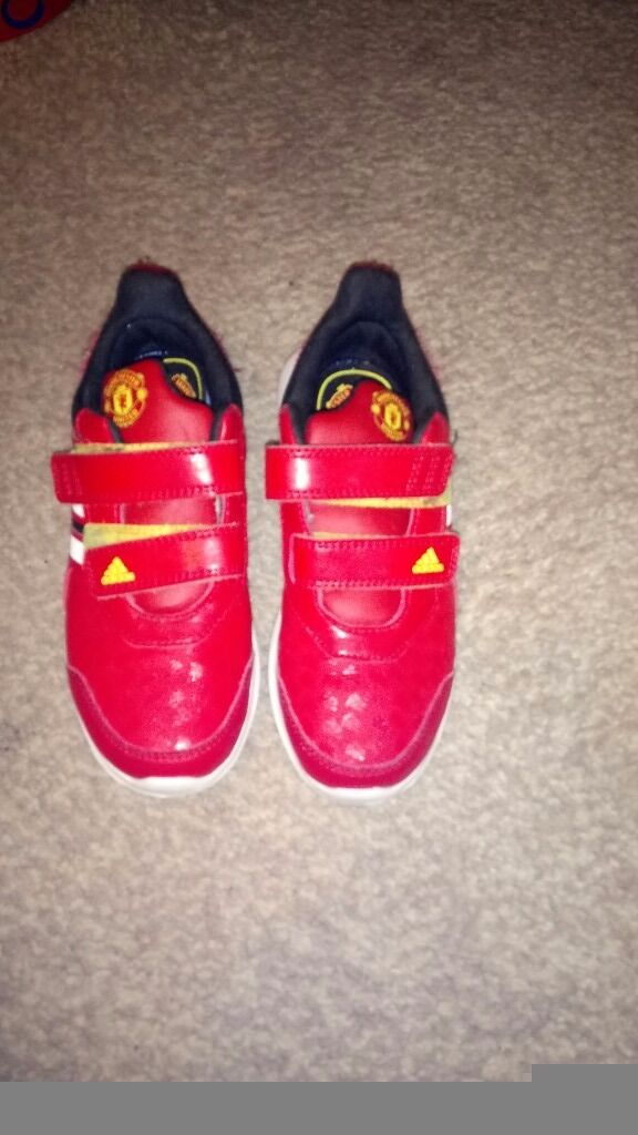 Trainers adidas boys. Size 13